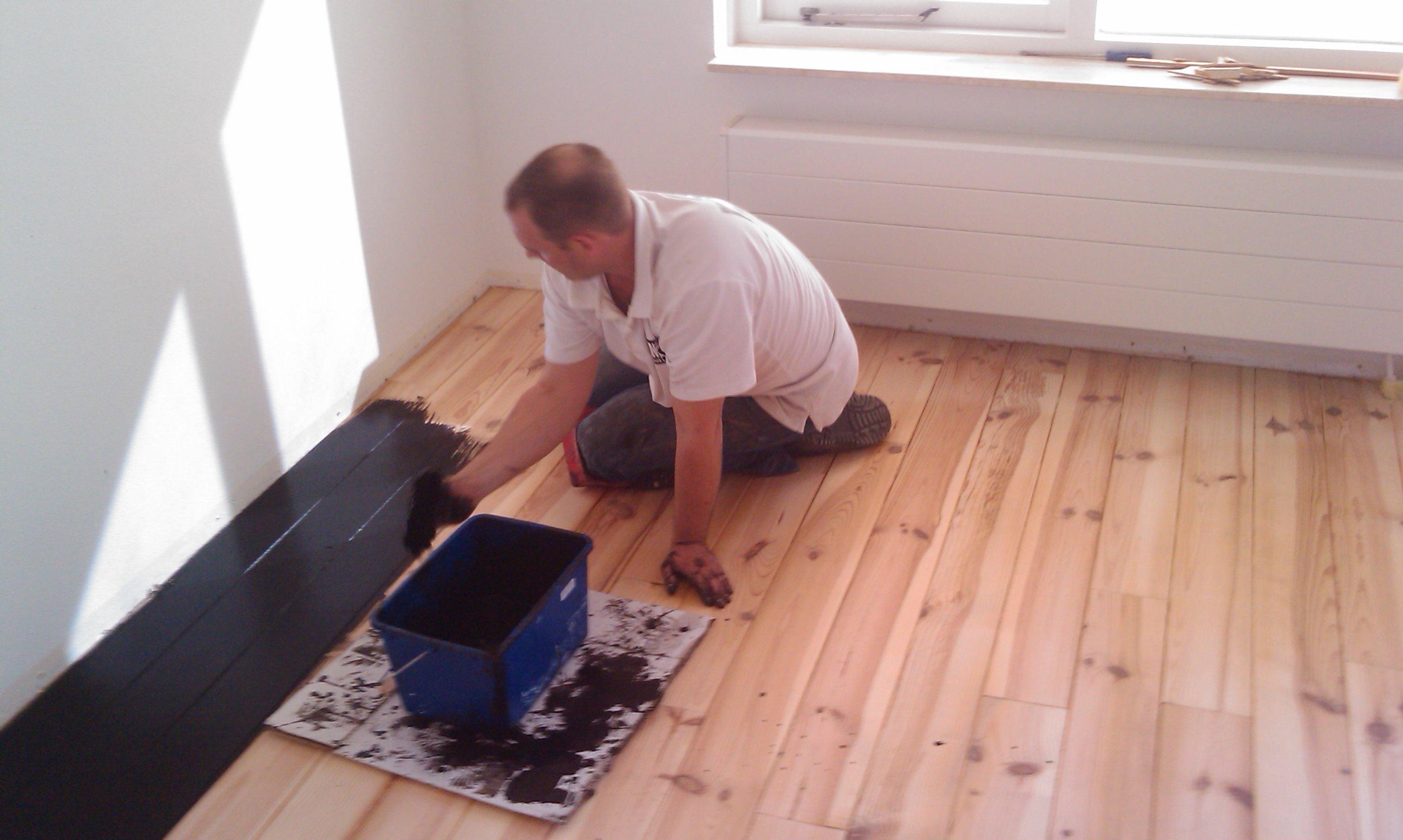 Slaapkamer Zwarte Vloer : Uw houten vloer opknappen : een goed idee?